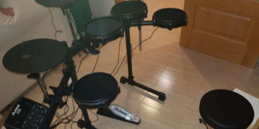bateria musical turbo mesh se puede montar en espacios pequeños
