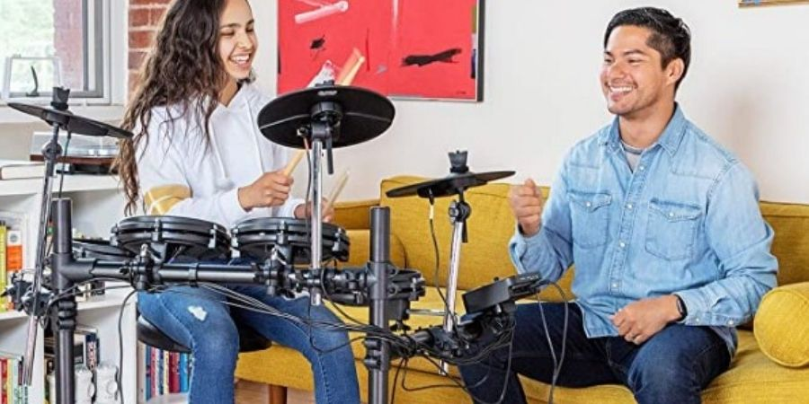 tambor electronico de alesis turbo mesh kit tocando entre amigos