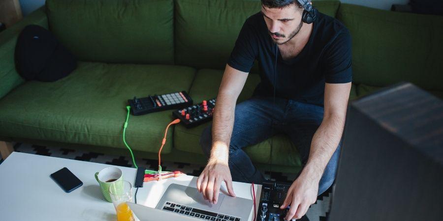 Los tambores digitales te dan las herramientas para que puedas crear grandes composiciones
