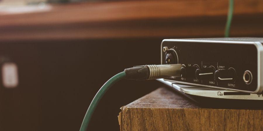los tambores digitales se pueden conectar a una interfaz