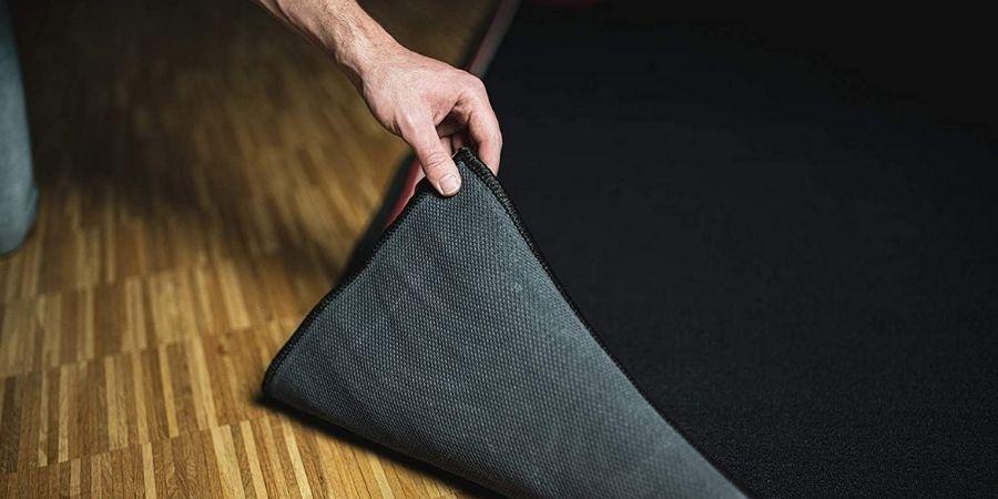 Las alfombras diseñadas para las baterías digitales evitan que se deslicen