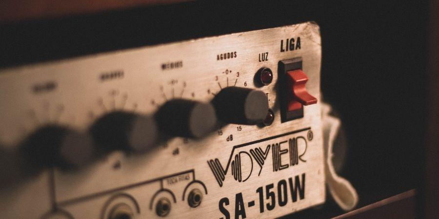 Un buen equipo de megafonía dará un excelente sonido a tu batería digital